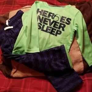 Athletic set pants and shirt